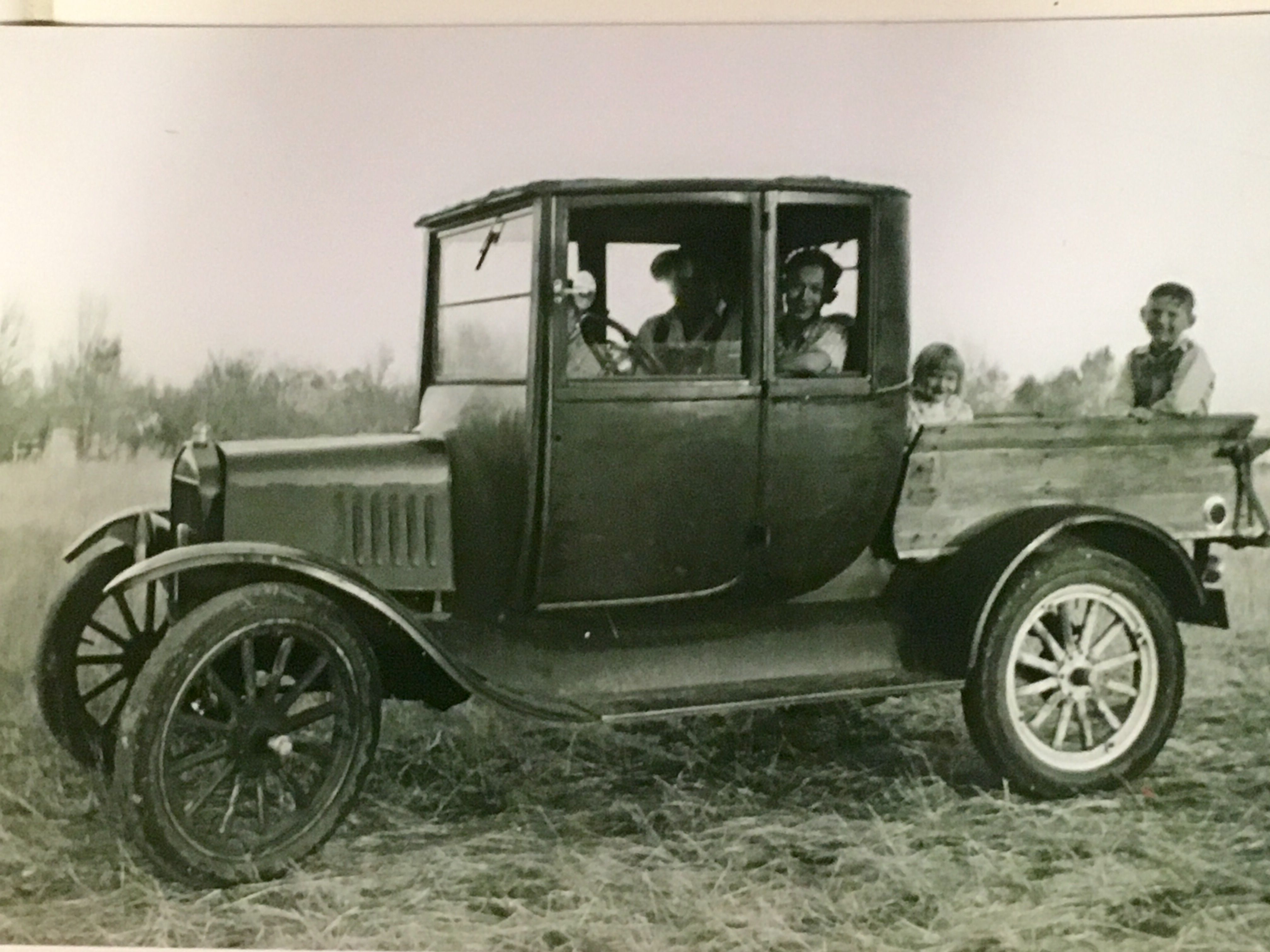 Identification Of Model Ts The Ford Barn Classic Trucks Vintage Trucks Antique Trucks