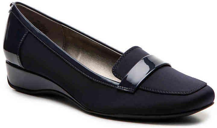2beacd336a07 Bandolino Women s Latera Wedge Loafer