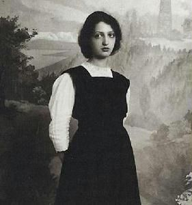 Classical pianist Clara Haskil was born on January 7, 1895 in Bucharest, Romania. Haskil began playing piano at the age of three, and made her public debut at eight years old. She developed a repertoire of mainly Beethoven, Mozart and Schumann, and reached the peak of her fame in the 1950s. Haskil performed throughout the world and garnered such a dedicated following that the Clara Haskil Piano Competition was created in her honor.