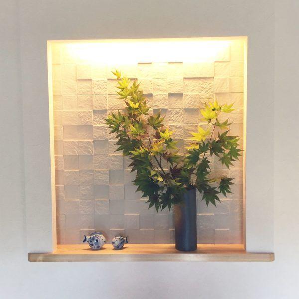 玄関の飾り用の凹み 玄関ニッチ の素敵なコーデをご紹介します
