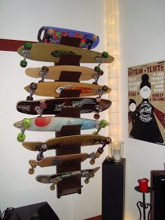 IKEA Hackers: Longboard And Skateboard Shelf. Garderoben KinderzimmerSkateboard RegaleJungszimmerAqua SchlafzimmerLongboardfahrenIkea  ... Design