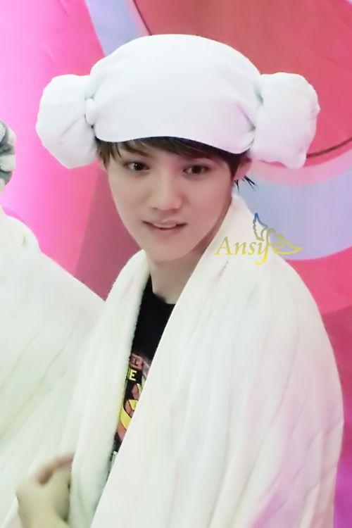 Omg that towel wrap is so cute :3