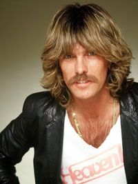 Look At That Classic 70s Male Hair Curl 70s Hair 1970s Hairstyles Feathered Hairstyles