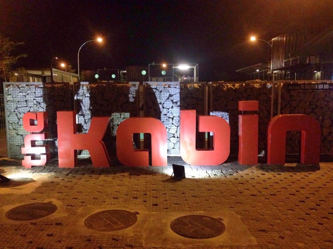 Thekabin night view