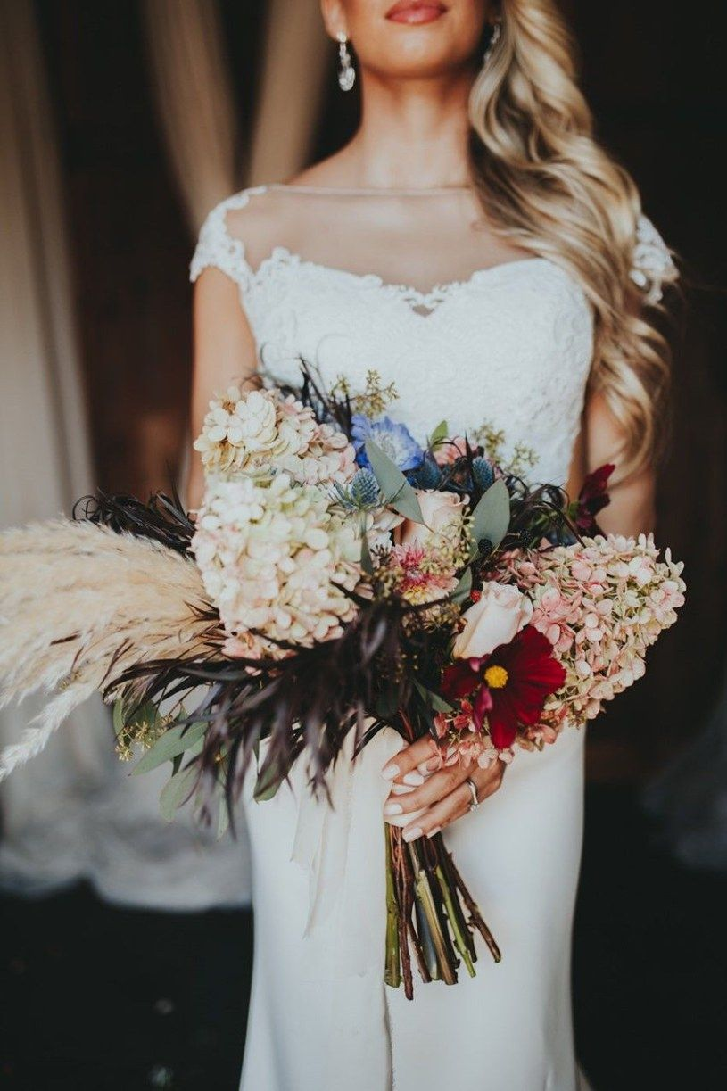Save Money Wedding Tips Brides Dream About Finding The Most
