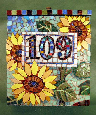 italian glass mosaic picture - Pined By    http://www.mosaicmosaic.com/