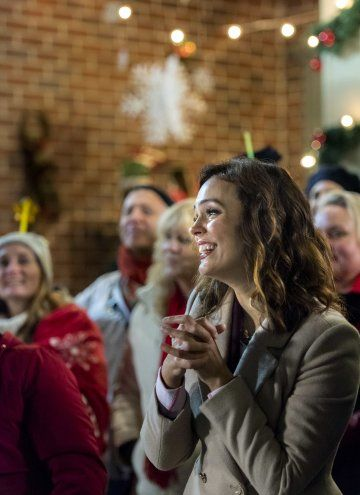 Sleigh Bells Ring (2016) (With images) | Hallmark christmas movies, Hallmark movies, Christmas ...