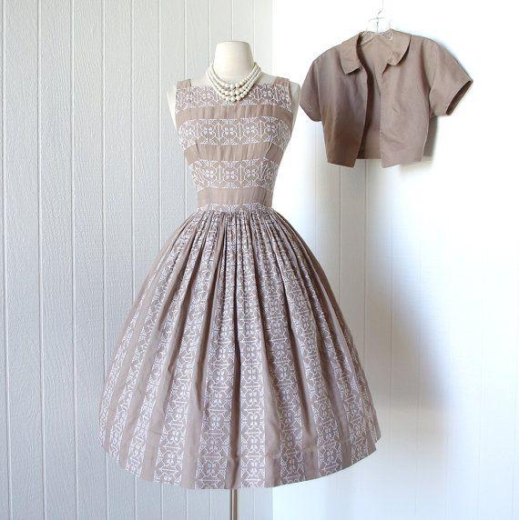 Jahrgang 1950 Kleid... .fabulous PAT HARTLY ORIGINAL bestickt ...