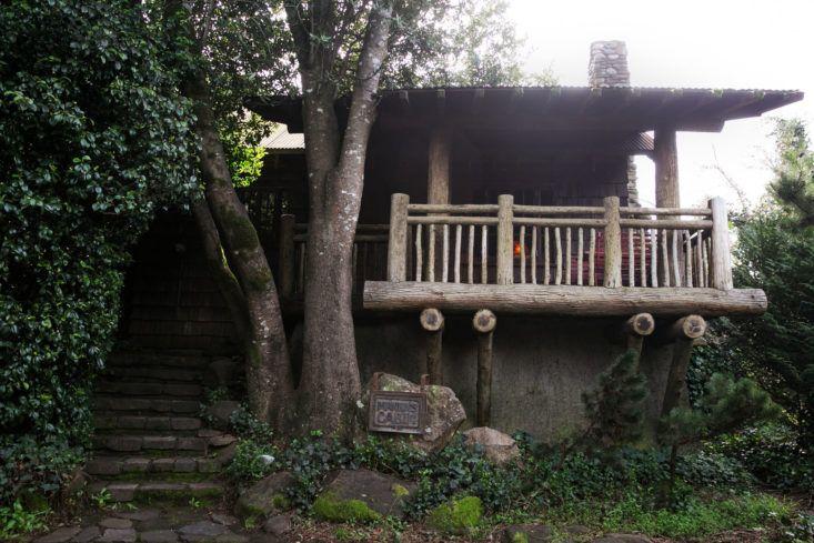 Mankau0027s Inverness Lodge: A 1900s Lodge Reborn In Northern California