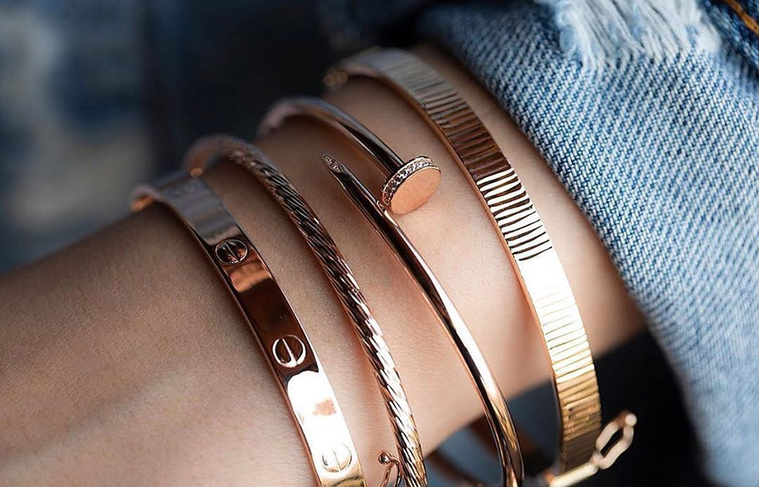 Aynaya bakan her 👠💄💋KADIN'ın bir yıldız ⭐️gördüğü doğrudur  Bizi izlemeye devam edin👑 keep watching Ellerinize layık eklem 💍yüzüklerimiz 😍 Kolyeler bilezikler küpeler bileklikler  Kral kuyumculuk Kral Jewellery Kral Diamond Kral mücevherat 👑👑👑 #altın #gold #altinyuzuk #gold #altınset #jewellery #instajewelry #jewelrygram #jewelryaddict #instajewellery #jewellerylovers #14ayar #dugunseti #whitegold #hediye #madeinturkey#labeljewellery #kuyum #kuyumculuk #kuyumcularçarşısı #izm