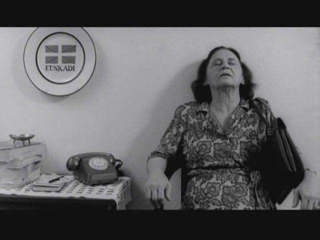 "Durutti Column: Requiem For My Mother  ::  Scenes from Walter Salles an Daniela Thomas' ""Terra Estrangeira"" ( Brazil, 1995) Featuring : Fernando Alves Pinto, Laura Cardoso and Fernanda Torres.    Music by The Durutti Column: Requiem For My Mother"