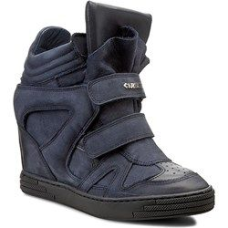 Buty Sportowe Na Wiosne Musisz Je Miec Trendy W Modzie Boots Wedge Sneaker Shoes