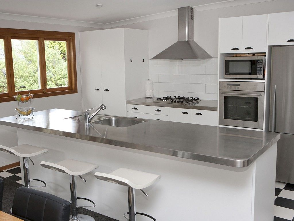 Stainless steel benchtop - burnished finish - like the rounded edges ...