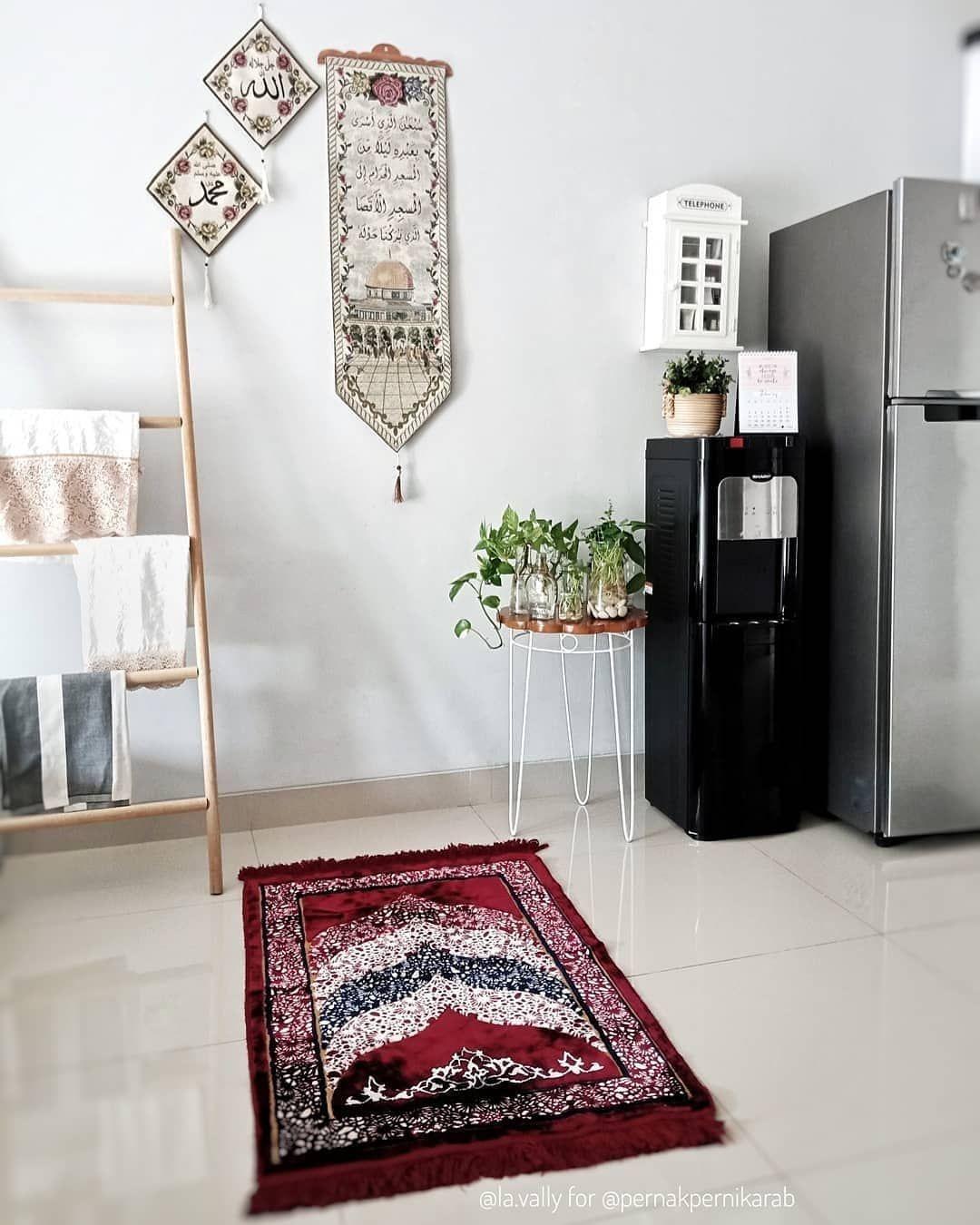 "RUMAH MINIMALIS 🇮🇩 on Instagram: ""Contoh rumah minimalis terbaru 2019.  Follow @rumahminimalis_id untuk dapatkan contoh rumah minimalis terbaru.  Picture by :  @la.vally…"""