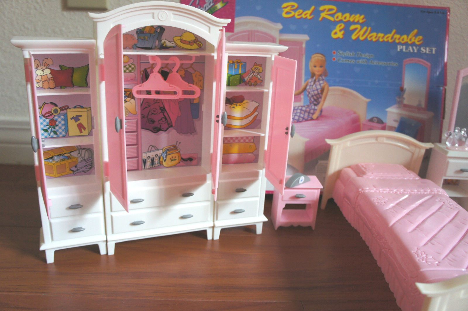 GLORIA FURNITURE BEDROOM & WARDROBE MIRROR PLAY SET DOLL HOUSE For ...