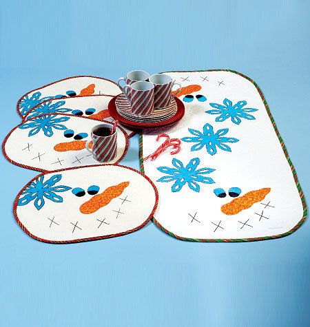 McCalls 7064, Christmas placemats and Table Runner Sewing Pattern ...