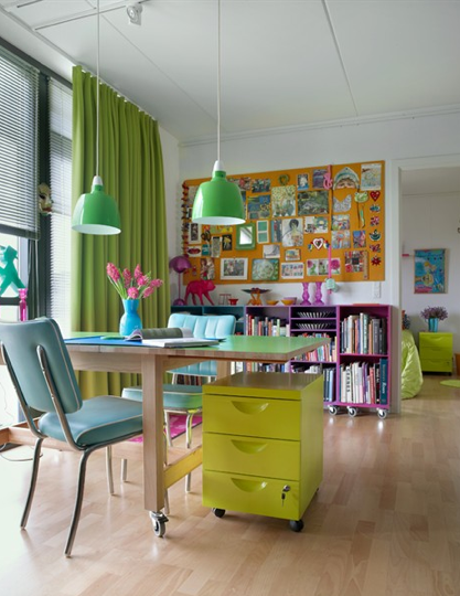 Hidden in France - another great blogspot. The home decorating is a little more jumbled than I like, but the colors are outstanding & you can see some MCM cross overs.