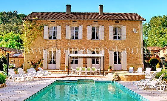 Location du0027un #manoir de #vacances avec #piscine, parc et dépendance - location saisonniere avec piscine privee