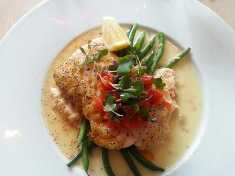 Market fish over pureed parsnip and green beans. Cowell & Hubbard, Theatre District.