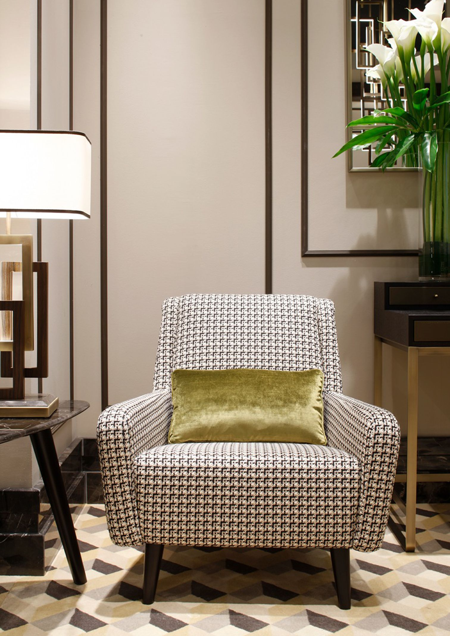 Best Patterned Black And White On A Mid Century Modern Chair 640 x 480