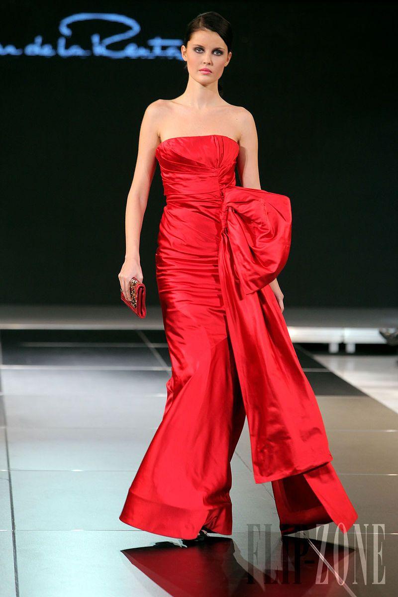 Oscar de La Renta - Ready-to-Wear - Fall-winter 2009-2010 - http://en.flip-zone.com/fashion/ready-to-wear/fashion-houses-42/oscar-de-la-renta-1240