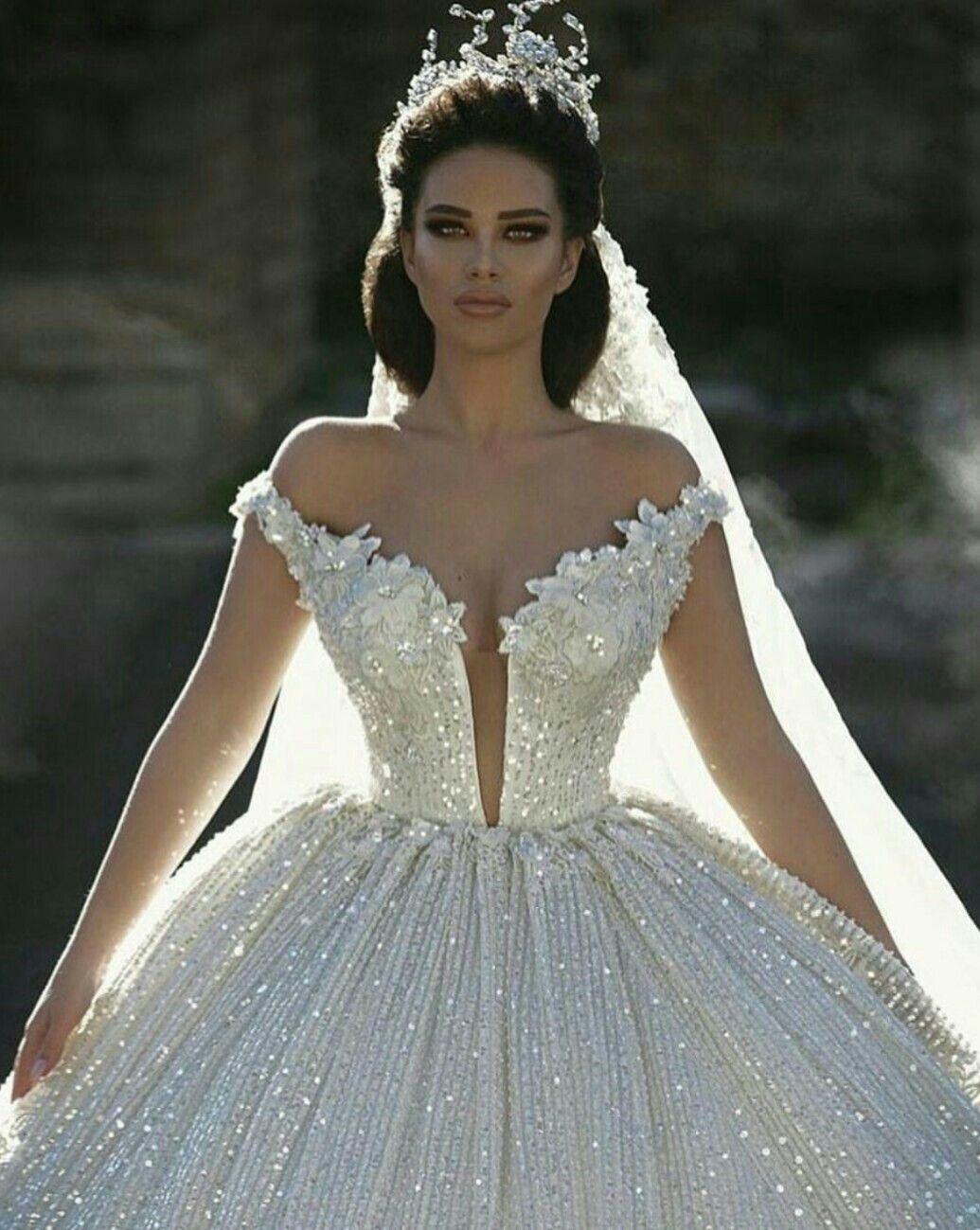Pin von Tracy Sjobeck auf Ideal Wedding   Pinterest   Brautkleid