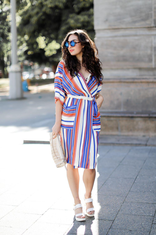 1b9b49b25d Closet London Kimono Dress striped mididress midi kleid gewickelt wete  ärmel retro inspired vintage white platform sandals summer look inspiration  samieze ...