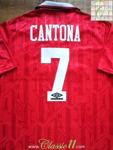 Relive Eric Cantona s 1993 1994 season with this vintage Umbro Manchester  United home football shirt. b623b4a63