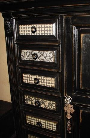 Love these wallpapered drawers