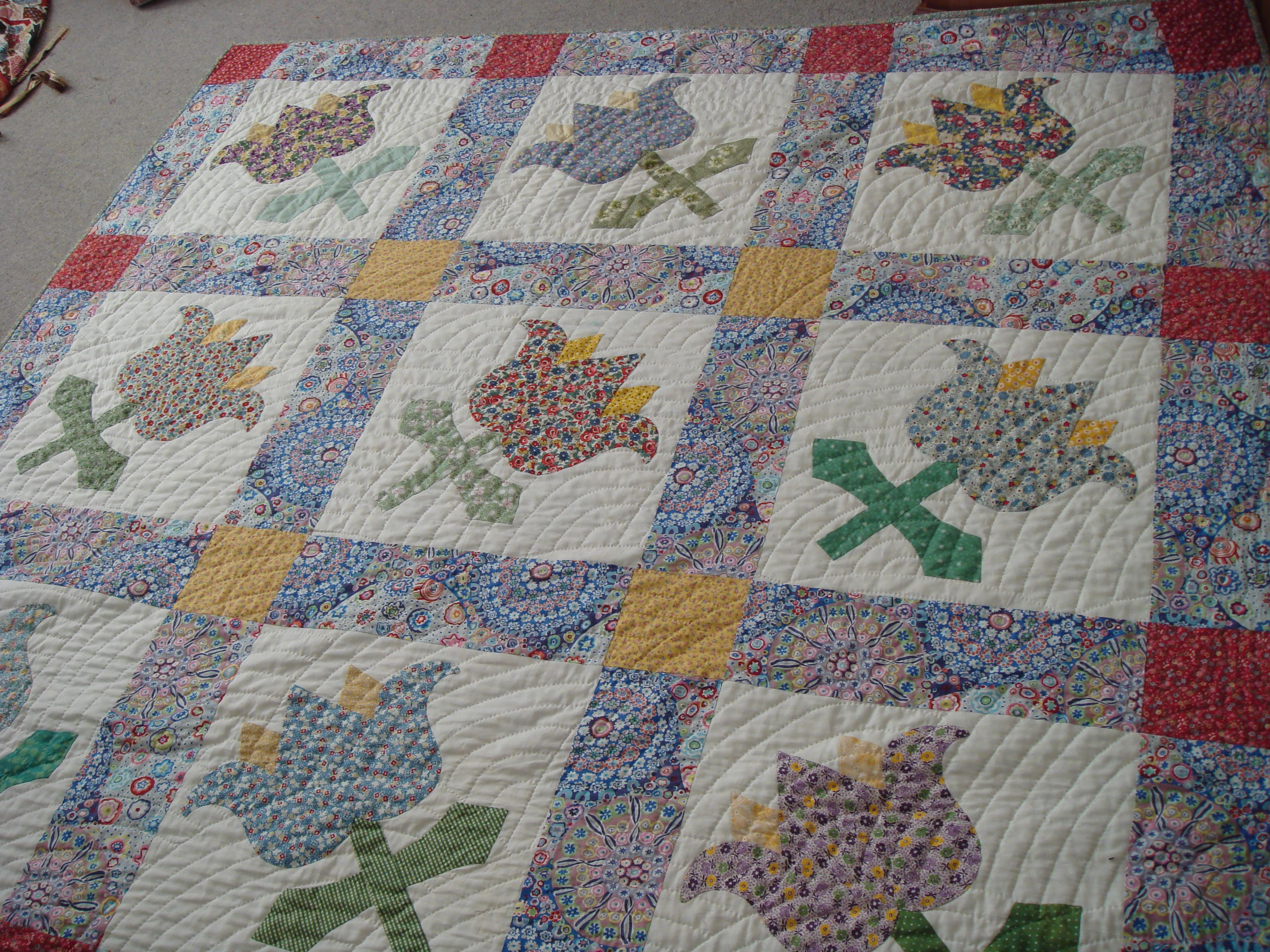 My big blooms quilt: amish waves quilted hand quilting pinterest