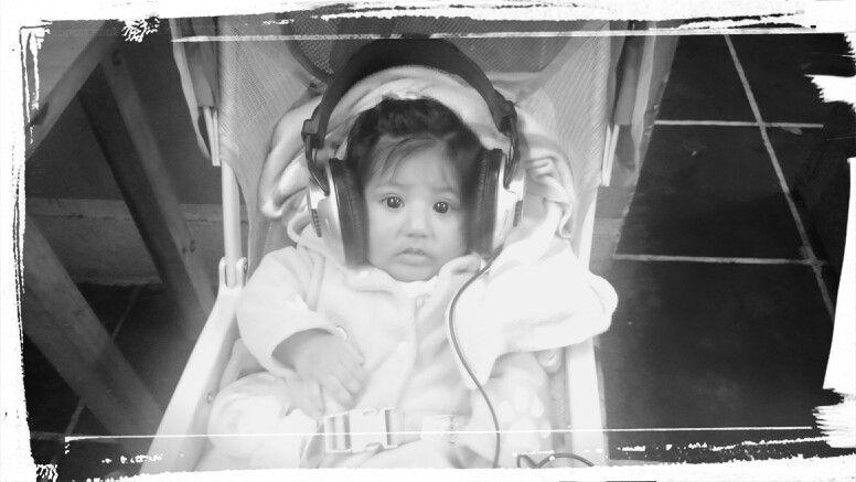 La pequeña dj