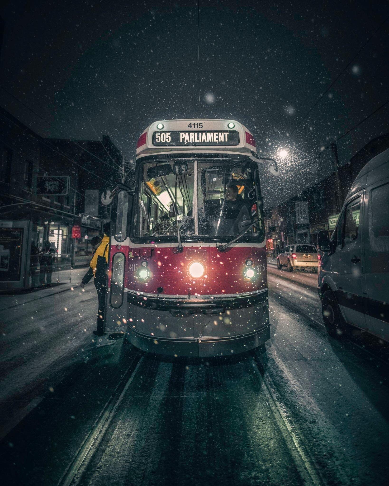Itap Of A Toronto Streetcar On A Snowy Night Toronto Night Movie Wallpapers Toronto tram vehicle city night lights