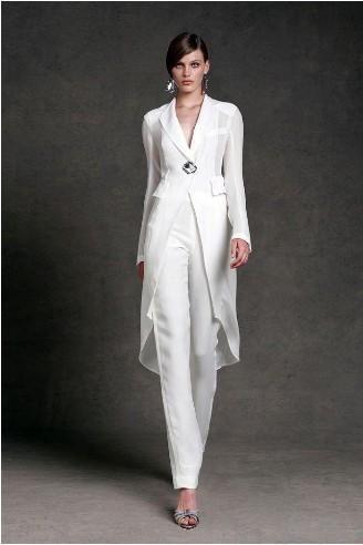 Traje chaqueta mujer para una boda