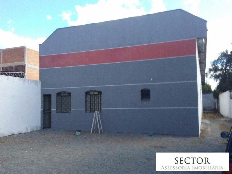 BARRACÃO BOQUEIRAO, CURITIBA GARAGEM 10 VAGAS ÁREA CONSTRUÍDA 600M² TERRENO 900M² ÁREA LIVRE 550M² ESCRITÓRIO 50M²