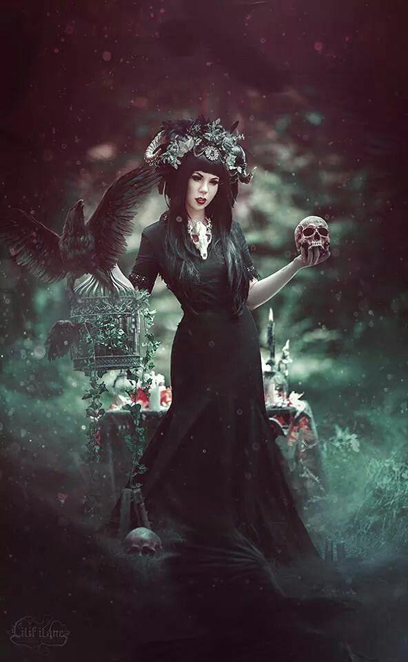 -murder of crows- Photo/Edit - Lilif Ilane_ARTWORK Dress - Johanna Macht Headdress - Jumeria Creations Necklace - abARTig