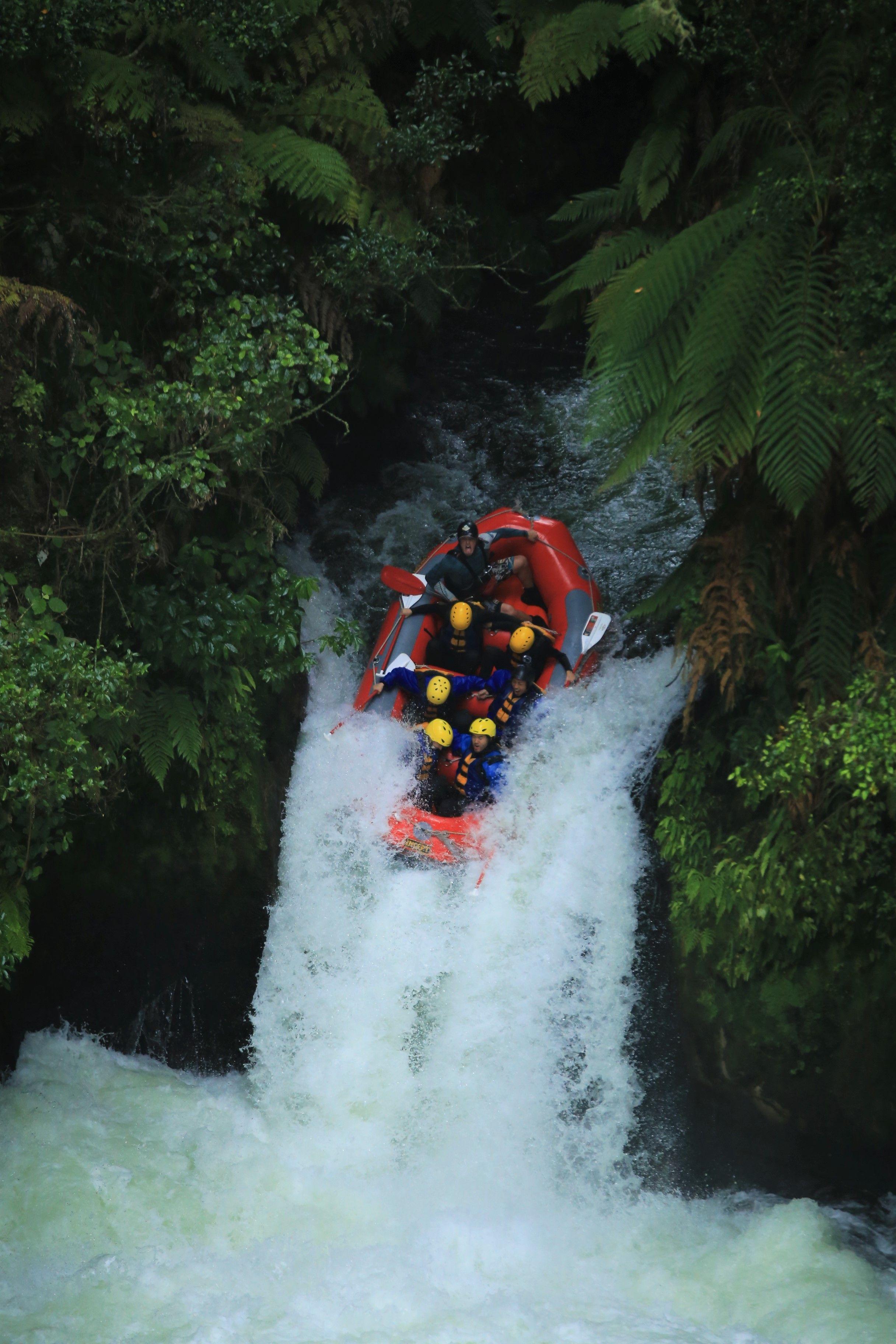 3 Rafting in New Zealand 2. Karateandcaviar.com
