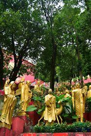 10,000 Golden Buddha Hong Kong