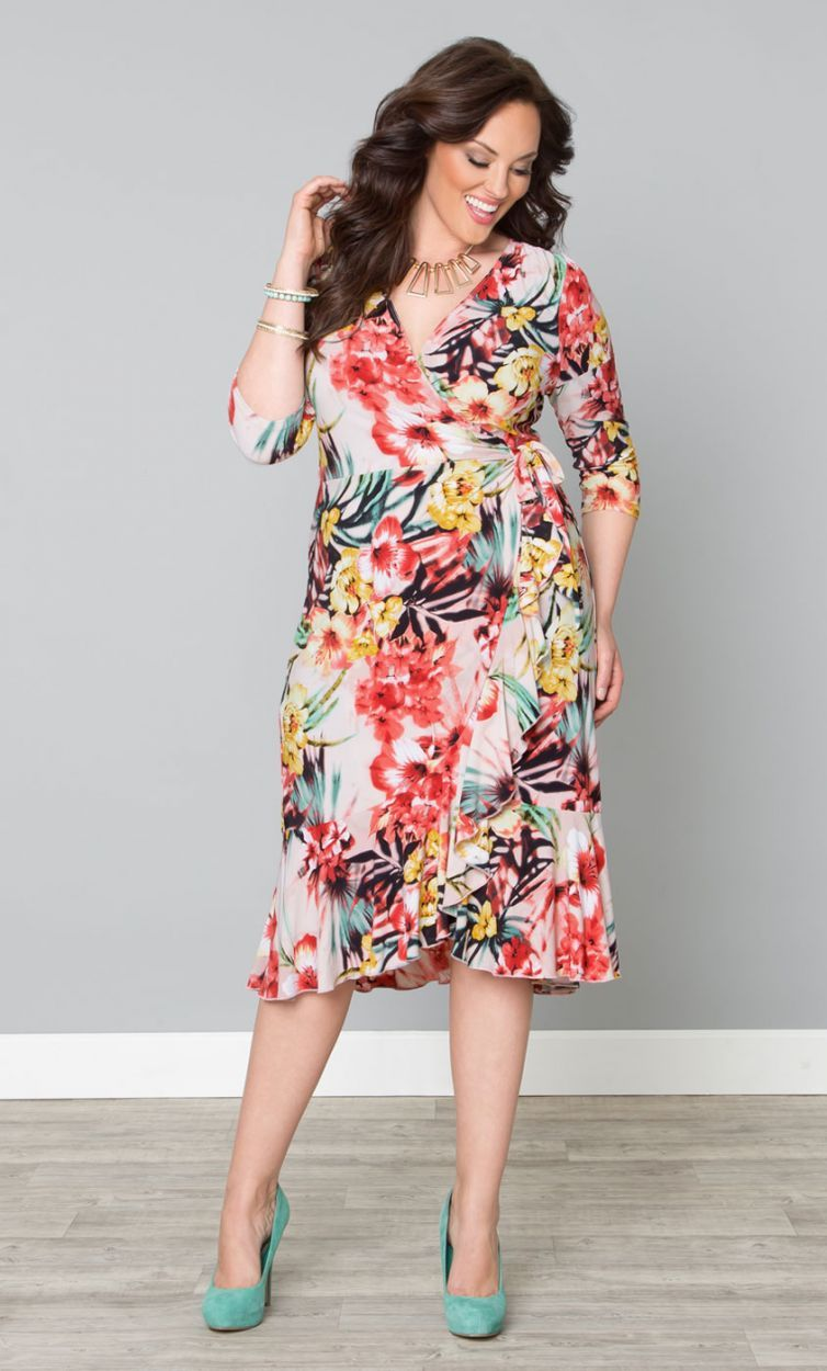 Plus Size Wrap Dress. Vestido cruzado talla grande. 3c3be4194c8a