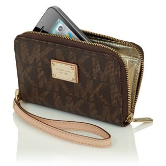 b6701cc3edc7 MICHAEL Michael Kors Essential Zip Wallet for iPhone 4S - bought it, love it