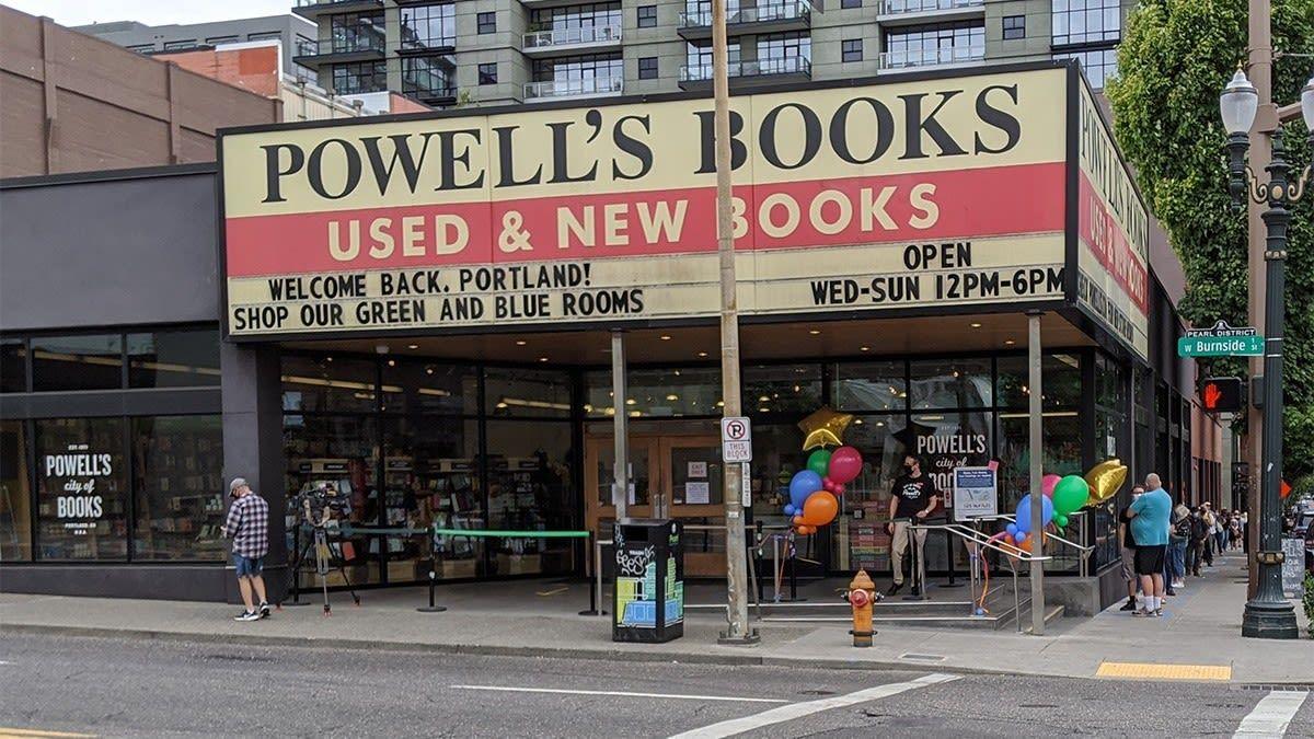 Portland S Most Famous Bookstore Will No Longer Sell Books On Amazon In 2020 Sell Books On Amazon Amazon Books Bookstore