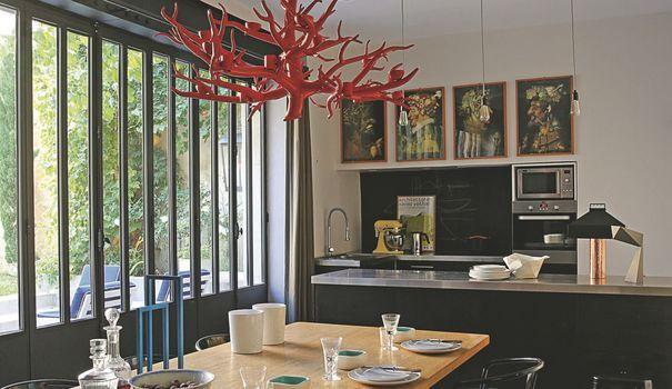 Une maison de ville à Nevers design et contemporaine Kitchens