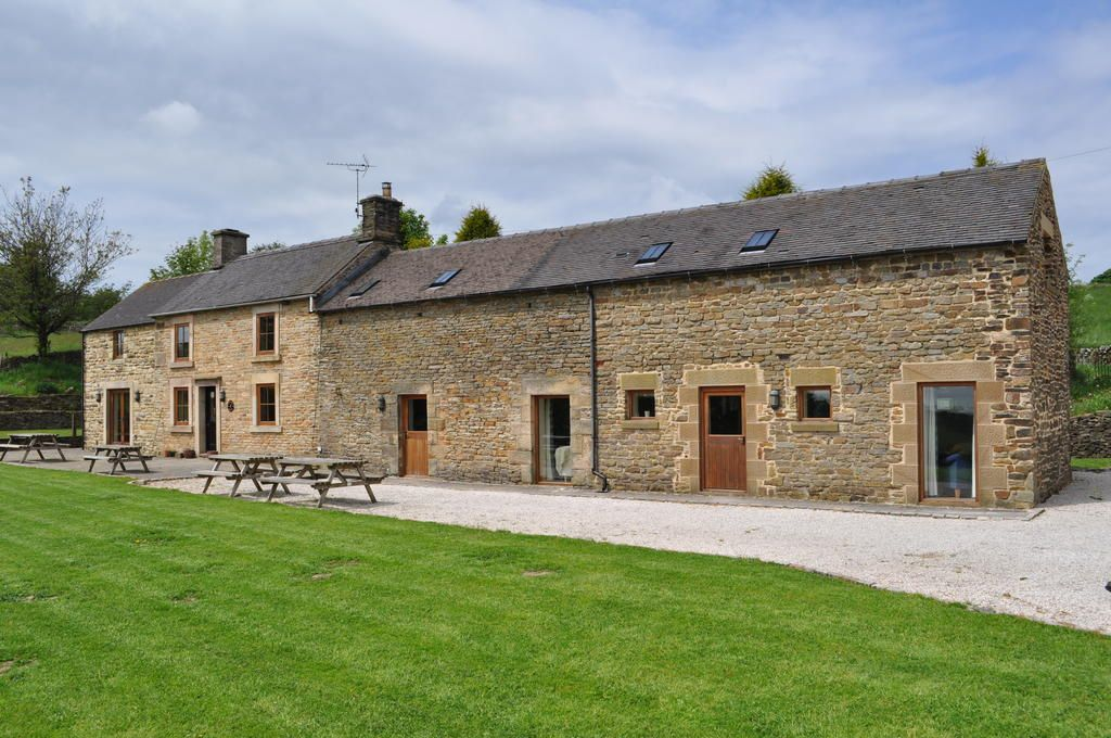 Front Doors Peak District Holiday Cottages Wooden Doors Peak District Door Rustic Big Cottages Cottage House Styles