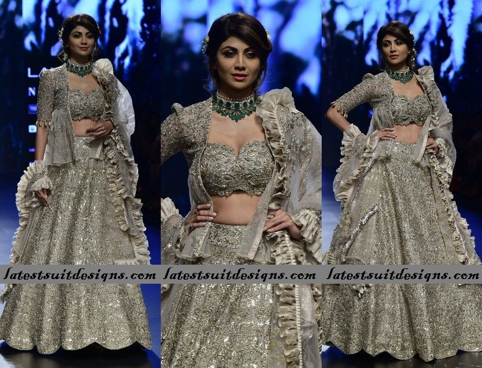 Latest Indian Bollywood Celebrities Fashion Trends