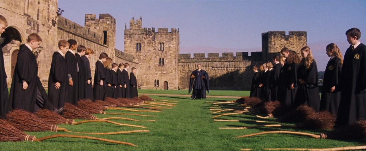 Harry Potter And The Sorcerer S Stone Flying Lesson Alnwick Castle Alnwick Northumberland Ne66 1nq Uk Alnwick Castle Schule