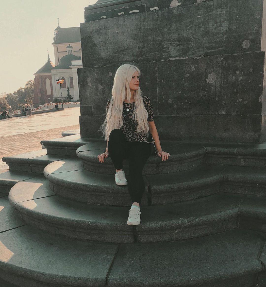 🧜🏼♀️ #goodmorning #pose #poland #sunnyday #me #sun #light #happy #blondegirl #blonde #longhair #hai...