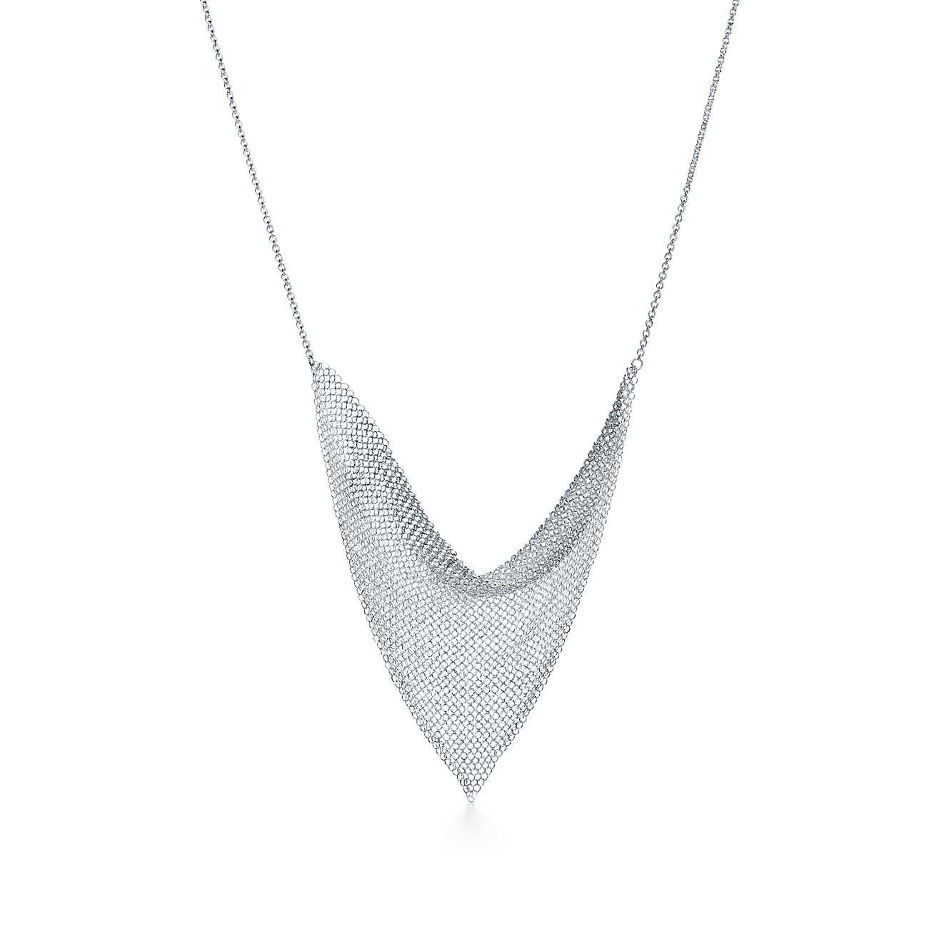 e8fc97431 Mesh Triangle Necklace | Chica urbana | Triangle necklace, Elsa ...