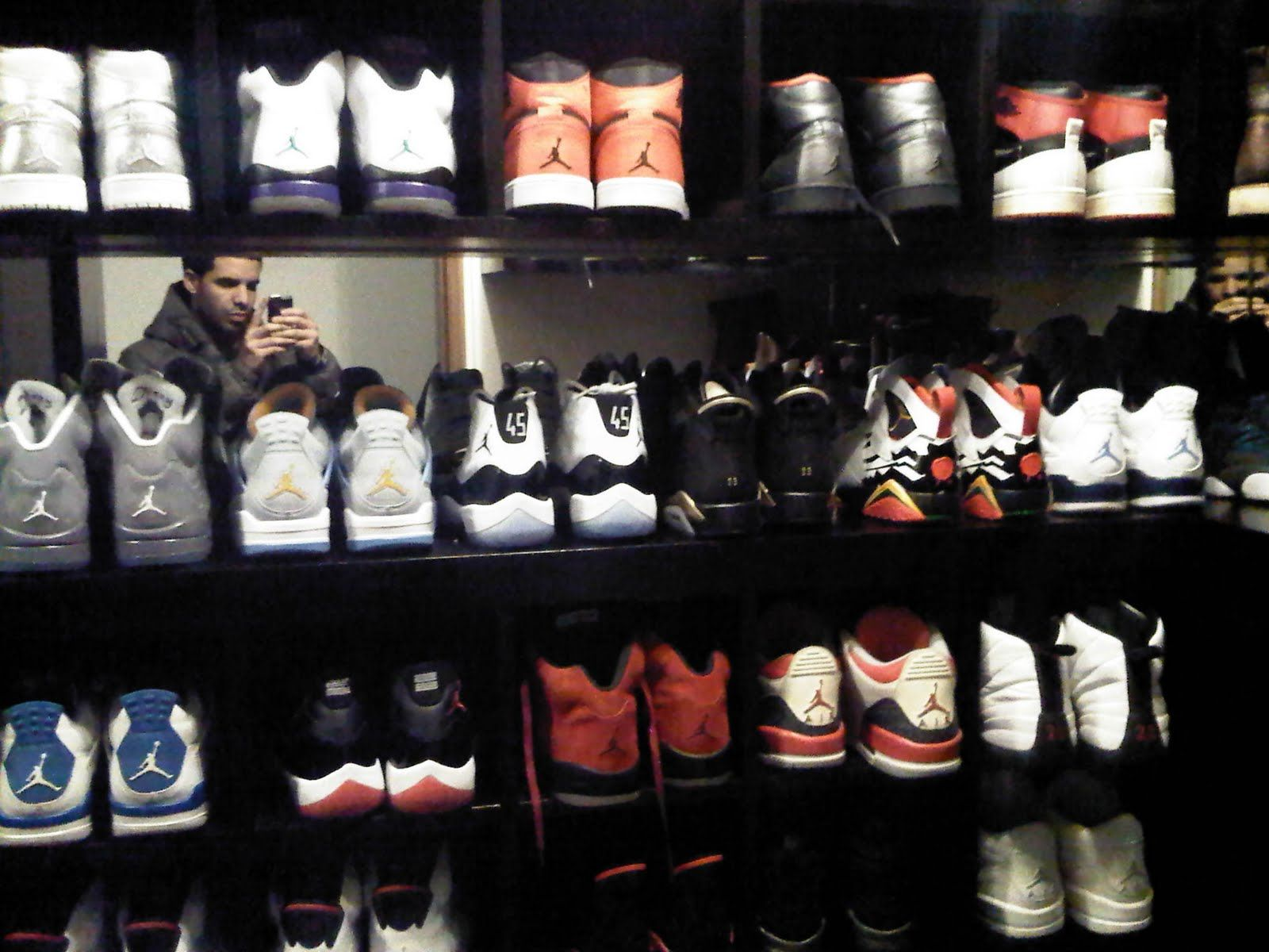 Drizzy With His Collection Imma Beat Him Lol