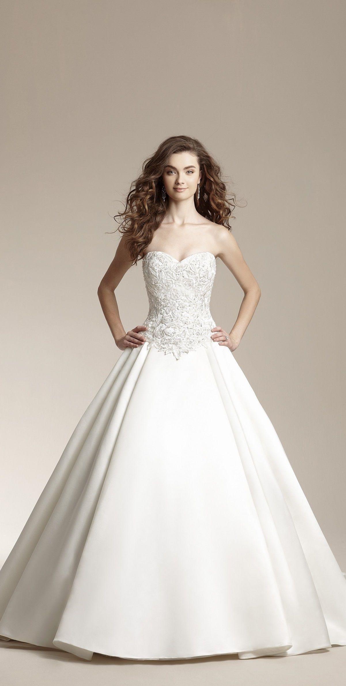 Princess Wedding Dress From Jasmine Bridal Wedding Dresses Disney Princess Wedding Dresses Bridal Dresses [ 2382 x 1201 Pixel ]