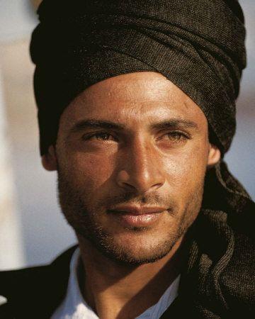 Image result for berberi con gli occhi azzurri