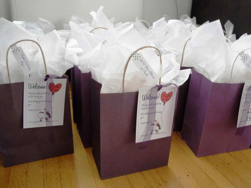 Wedding Gifts Gift Bags For Out Of Town Guests Extraordinary What Do You Put
